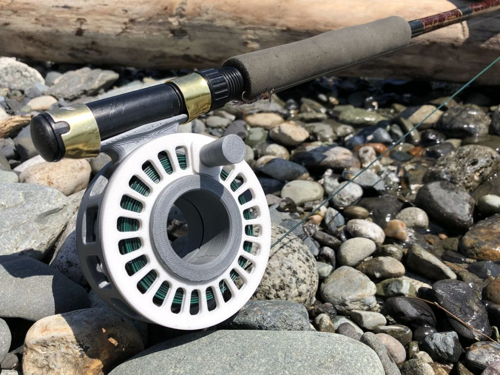 hubless fly reel
